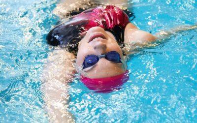 Sosem késő elkezdeni! – Felnőtt úszásoktatás a Smile Úszóiskolában