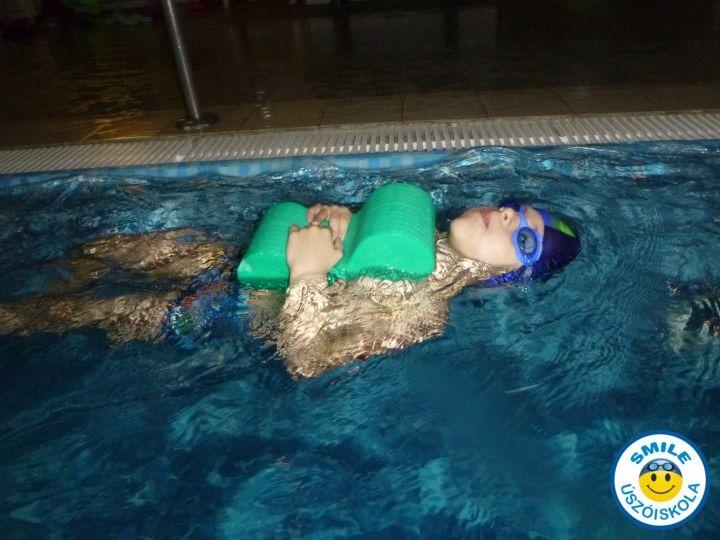intenzív gyermek úszásoktatás