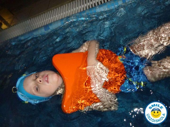 kiscsoportos gyermek úszásoktatás